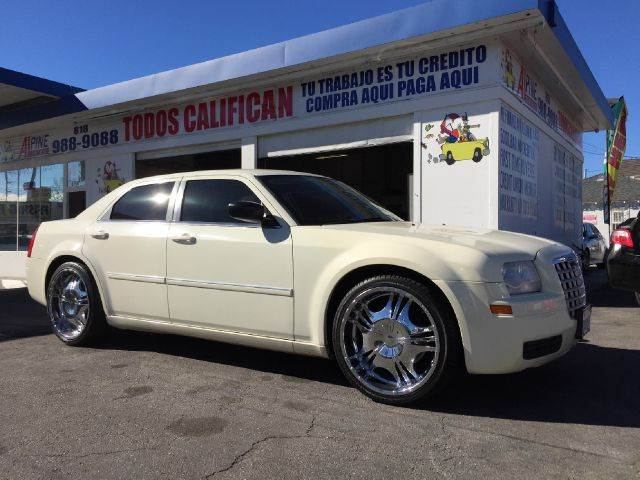 2007 CHRYSLER 300 BASE 4DR SEDAN we have thousand of satisfied customer with rates starting as lo