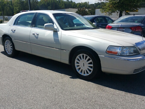 2005 Lincoln Town Car for sale in Greensboro, NC