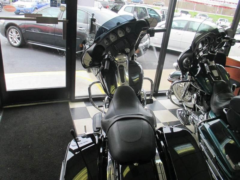 2016 Harley-Davidson Street Glide  - London KY