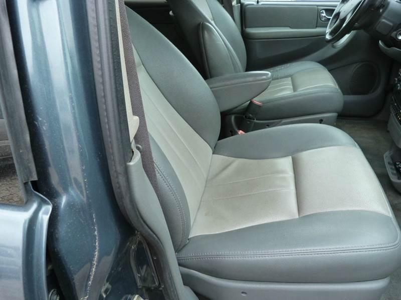 2006 Dodge Grand Caravan SXT 4dr Extended Mini Van - Fremont NE