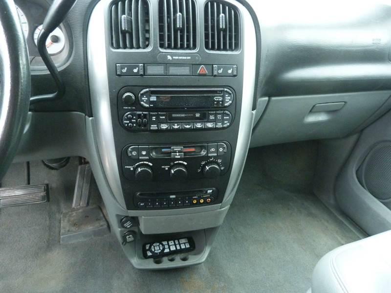 2006 Dodge Grand Caravan SXT 4dr Extended Mini-Van - Fremont NE