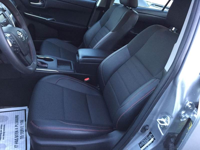 2017 Toyota Camry SE 4dr Sedan - Freeport NY