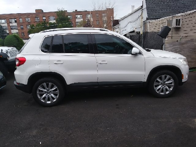 2009 Volkswagen Tiguan AWD SE 4Motion 4dr SUV w/4x4 Rear Side Airbags - Freeport NY