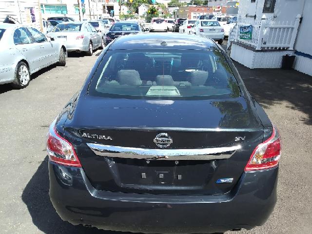 2013 Nissan Altima 2.5 SV 4dr Sedan - Freeport NY