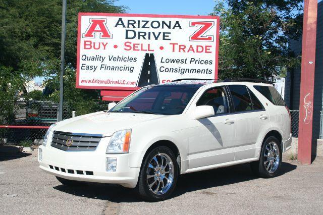 2004 CADILLAC SRX BASE RWD 4DR SUV white luxury all the bells and whistles nice dependable suv ver