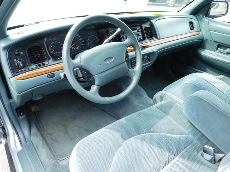1996 Ford Crown Victoria LX 4dr Sedan - Appleton WI