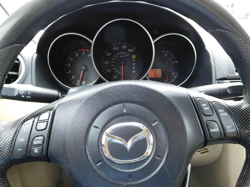 2005 Mazda MAZDA3 i 4dr Sedan - Appleton WI