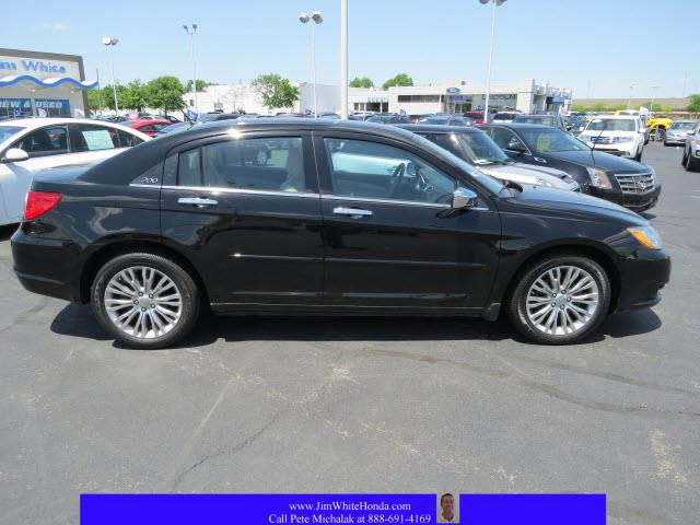 2012 Chrysler 200 for sale in Maumee OH