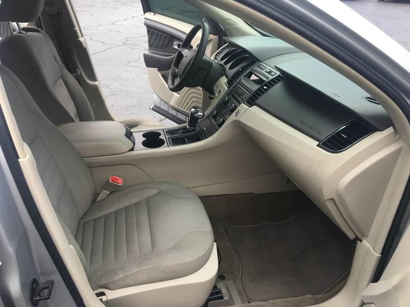 2011 Ford Taurus SE 4dr Sedan - Fort Wayne IN