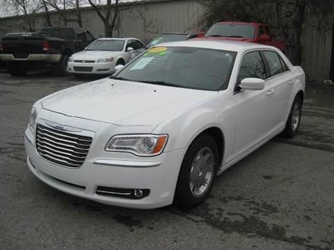 2013 Chrysler 300 for sale in Nashville, TN
