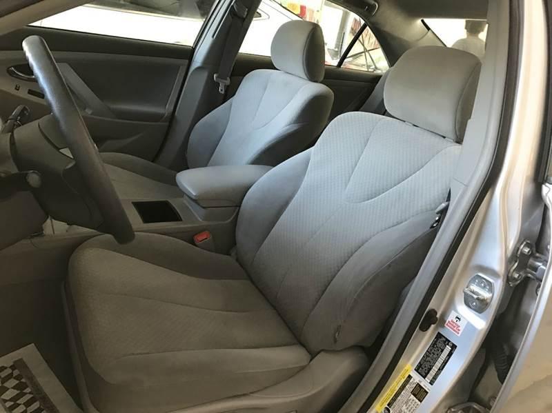 2009 Toyota Camry LE 4dr Sedan 5A - Roswell GA