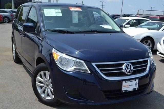 2013 Volkswagen Routan for sale in Countryside IL