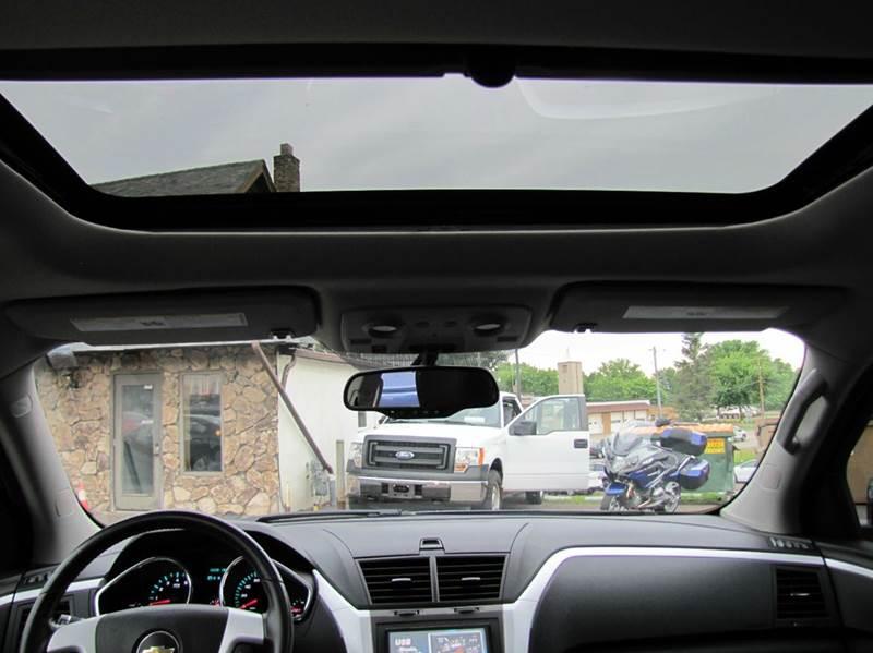 2012 Chevrolet Traverse LT 4dr SUV w/ 2LT - Oakdale MN