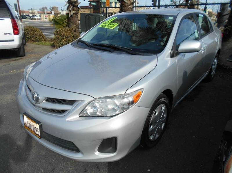 2011 TOYOTA COROLLA LE 4DR SEDAN 4A silver abs - 4-wheel active head restraints - dual front ai