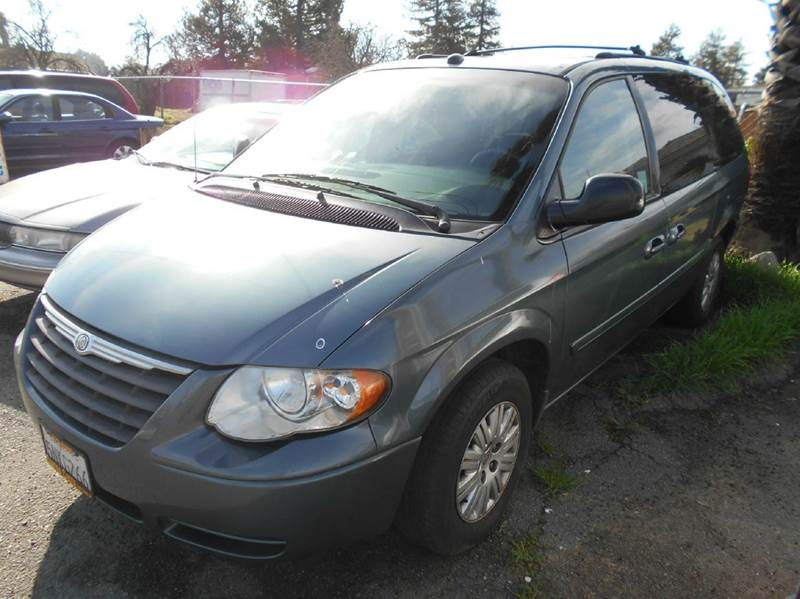 2005 CHRYSLER TOWN AND COUNTRY LX 4DR EXTENDED MINI VAN green abs - 4-wheel center console - fro