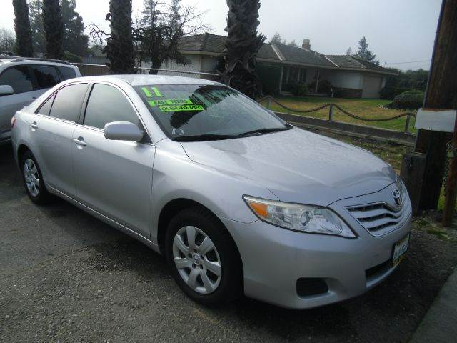 2011 TOYOTA CAMRY LE 4DR SEDAN 6A silver 2-stage unlocking - remote abs - 4-wheel air filtratio