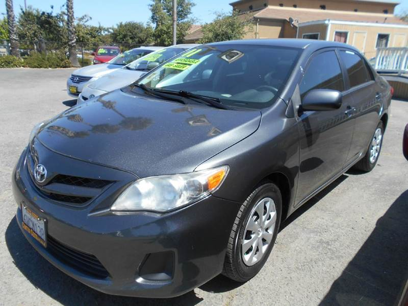 2011 TOYOTA COROLLA LE 4DR SEDAN 4A charcoal abs - 4-wheel active head restraints - dual front