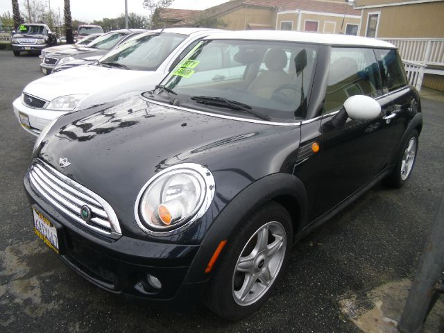 2007 MINI COOPER 2DR HATCHBACK black 2-stage unlocking abs - 4-wheel air filtration airbag deac