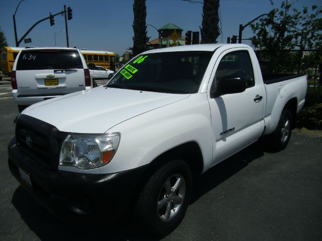 2006 TOYOTA TACOMA BASE 2DR REGULAR CAB SB 27L I4 white abs - 4-wheel airbag deactivation - oc