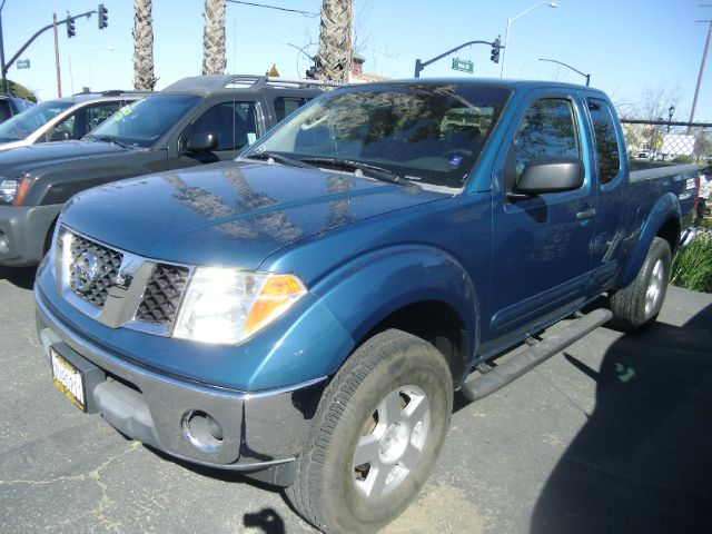 2005 NISSAN FRONTIER NISMO 4DR KING CAB 4WD SB blue abs - 4-wheel axle ratio - 369 bumper colo