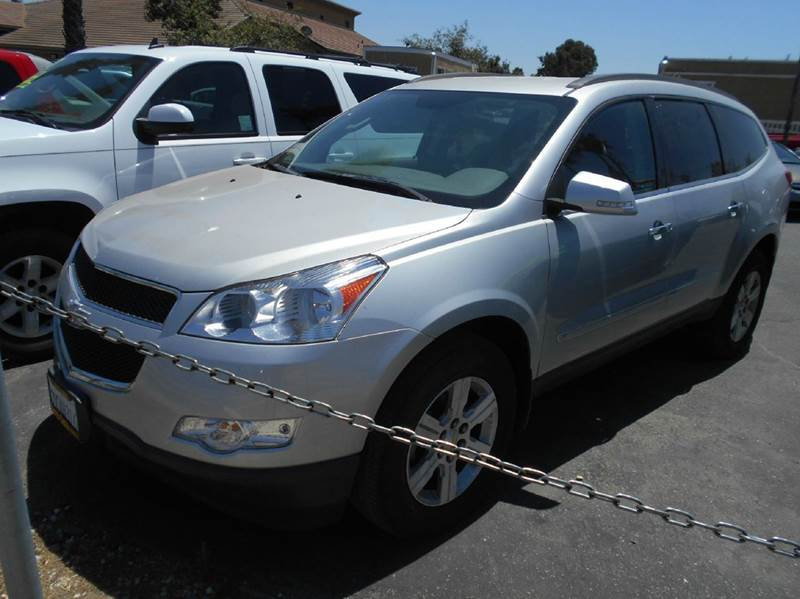 2010 CHEVROLET TRAVERSE silver air conditioning alloy wheels amfm radio wcd player anti-lock