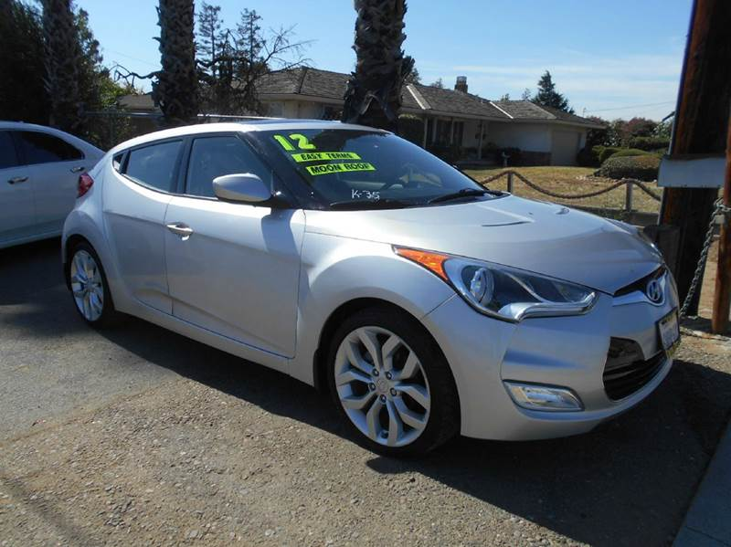 2012 HYUNDAI VELOSTER BASE 3DR COUPE WBLACK SEATS silver 2-stage unlocking doors abs - 4-wheel
