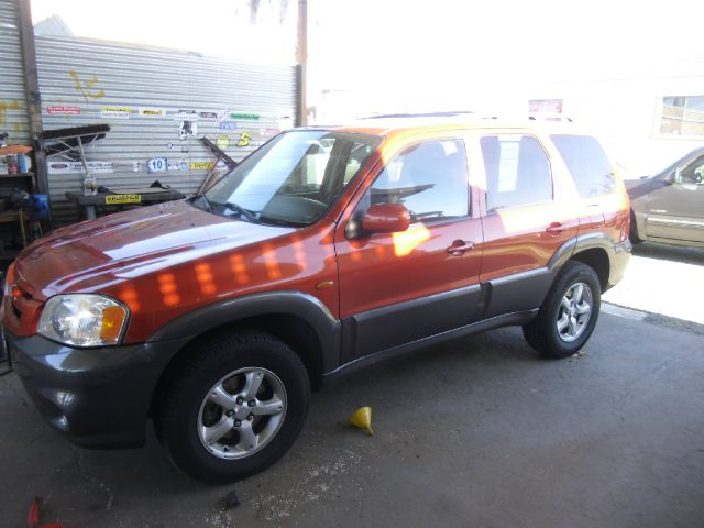 2005 MAZDA TRIBUTE S 4WD 4DR SUV orange abs - 4-wheel center console - front console with storage