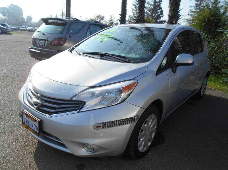 2014 NISSAN VERSA NOTE SV 4DR HATCHBACK silver 2-stage unlocking doors abs - 4-wheel airbag dea