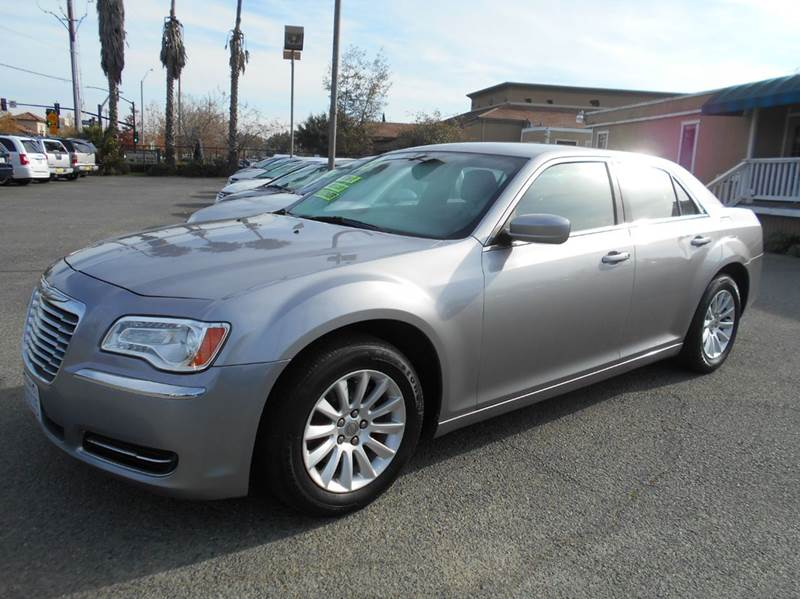 2013 CHRYSLER 300 BASE 4DR SEDAN silver 2-stage unlocking doors active head restraints - dual fro