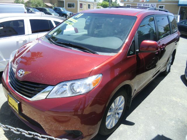2011 TOYOTA SIENNA LE 7-PASSENGER AWD 4DR MINI VAN red 2-stage unlocking - remote 4wd type - on d