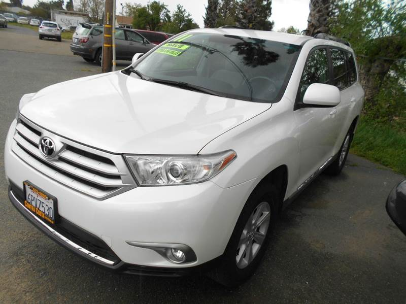 2011 TOYOTA HIGHLANDER BASE 4DR SUV white abs - 4-wheel active head restraints - dual front air