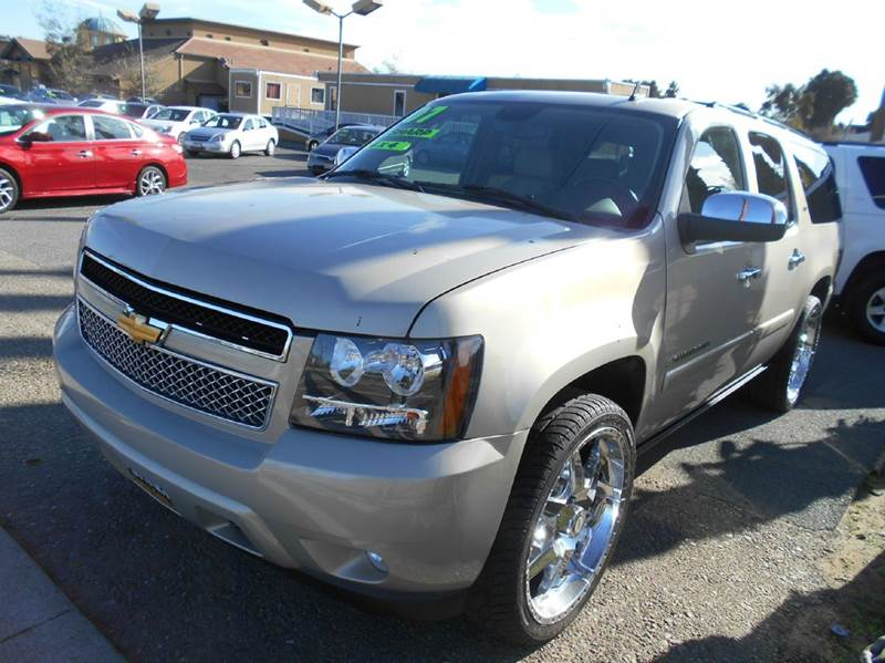 2007 CHEVROLET SUBURBAN LTZ 1500 4DR SUV 4WD silver 2-stage unlocking doors 4wd type - part time