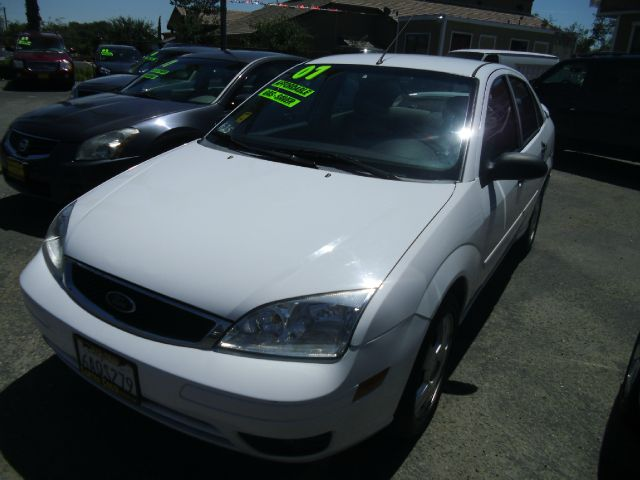 2007 FORD FOCUS ZX4 SE 4DR SEDAN white antenna type - mast anti-theft system - engine immobilizer