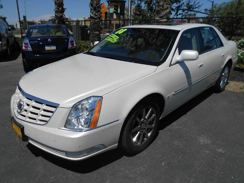 2008 CADILLAC DTS PERFORMANCE 4DR SEDAN white 2-stage unlocking - remote abs - 4-wheel active s
