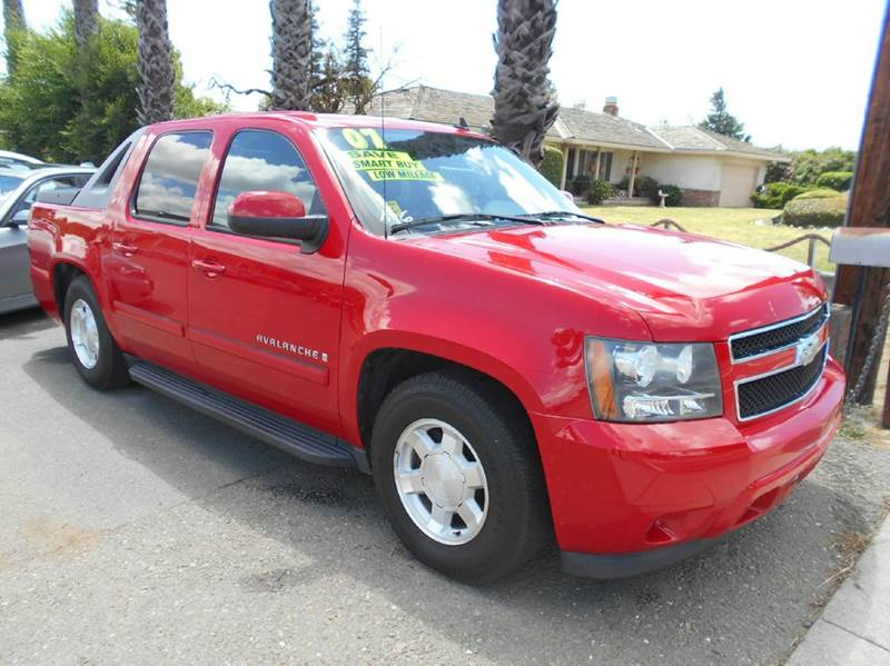 2007 CHEVROLET AVALANCHE LT 1500 4DR CREW CAB SB red 2-stage unlocking doors abs - 4-wheel airb