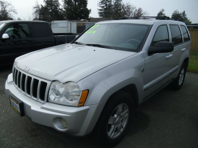 2007 JEEP GRAND CHEROKEE LAREDO 4DR SUV 4WD silver 2-stage unlocking - remote 4wd type - full tim