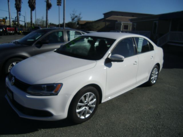 2011 VOLKSWAGEN JETTA 25 SE white air conditioning alloy wheels amfm radio wcd player cruise