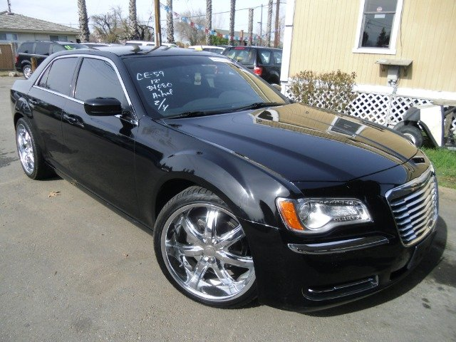 2012 CHRYSLER 300 black abs brakesair conditioningalloy wheelsamfm radioanti-brake system 4-