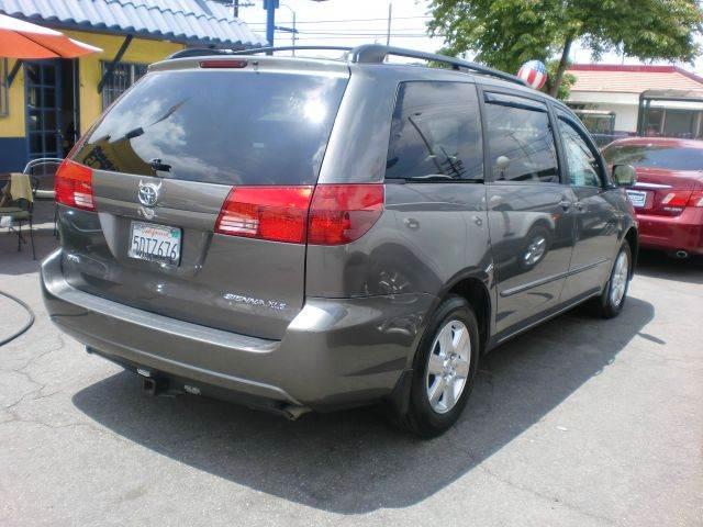 2004 Toyota Sienna XLE 7-Passenger 4dr Mini-Van - Pacoima CA