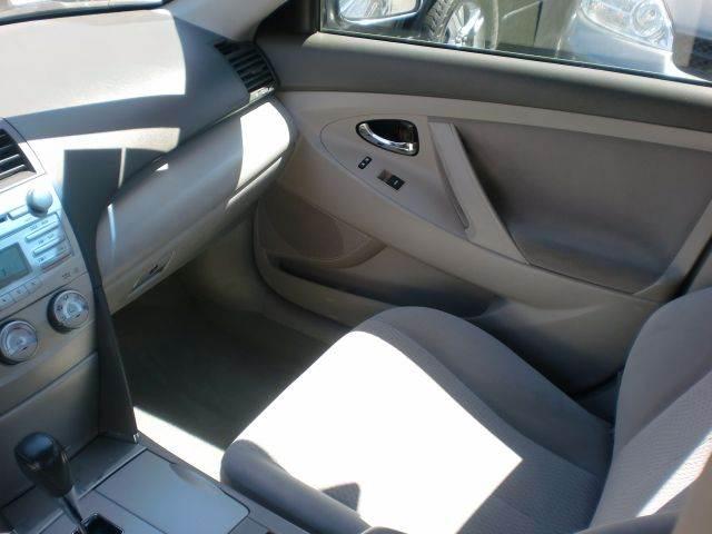 2011 Toyota Camry LE 4dr Sedan 6A - Pacoima CA