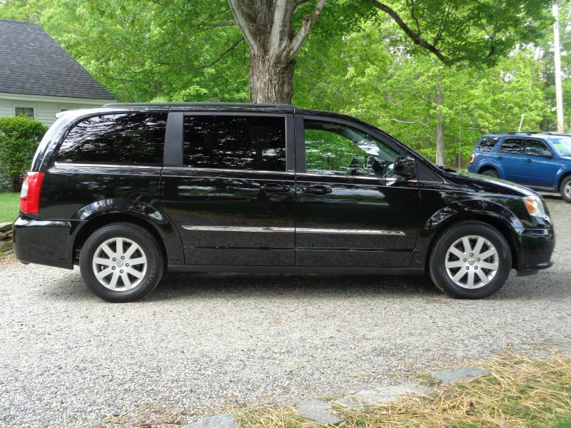 2013 Chrysler Town and Country Touring 4dr Mini-Van - Berwick ME