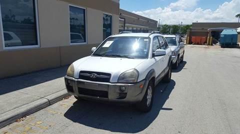 2005 Hyundai Tucson for sale in Hollywood, FL
