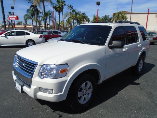 2010 FORD EXPLORER XLT 4X4 4DR SUV white this 2010 ford explorer xlt 4x4 3rd row seat is the best