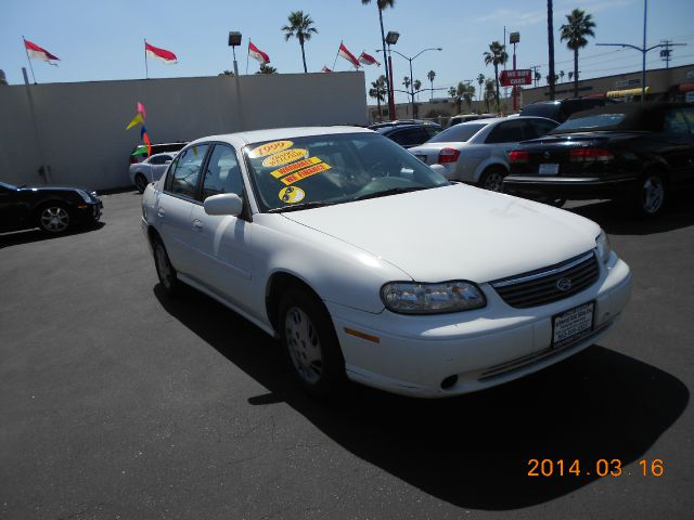 1999 CHEVROLET MALIBU BASE white abs brakesair conditioningamfm radioanti-brake system 4-whee