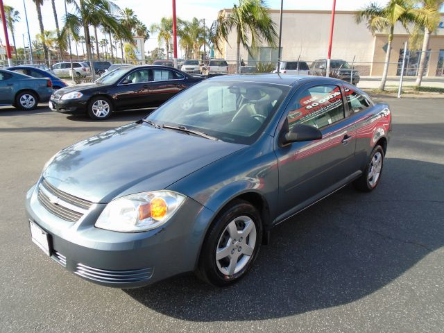 2005 CHEVROLET COBALT BASE 2DR COUPE grey this is the perfect commuter car or for a college stude