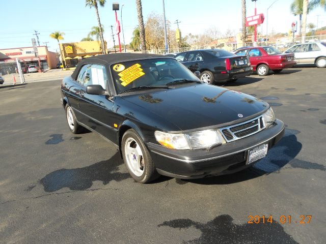 1995 SAAB 900 SE CONVERTIBLE black springsummer are just around the corner check out this great