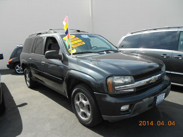 2006 CHEVROLET TRAILBLAZER EXT gray ever popular chev trailblazer this 2006 model is fantastic con