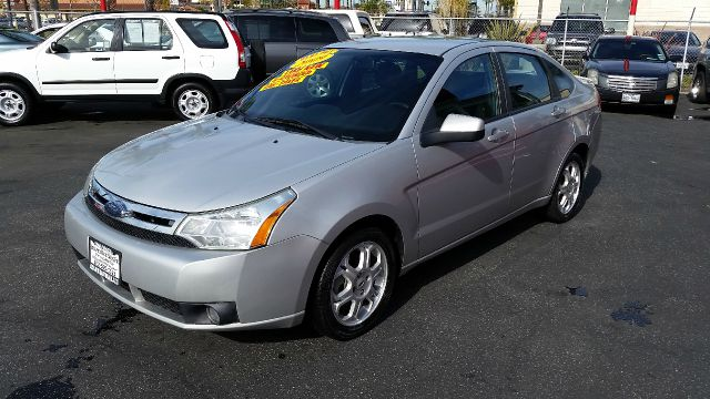 2009 FORD FOCUS SES 4DR SEDAN silver this 2009 ford focus ses  is  very reliable and in fantastic