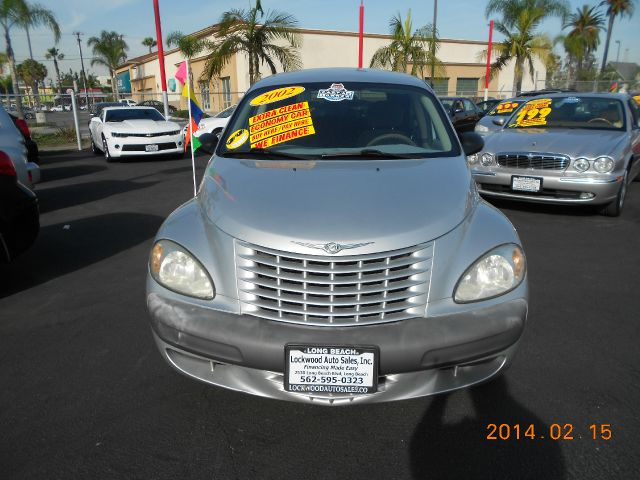 2002 CHRYSLER PT CRUISER BASE silver one owner  just got in2002 chrysler pt cruiser it is in