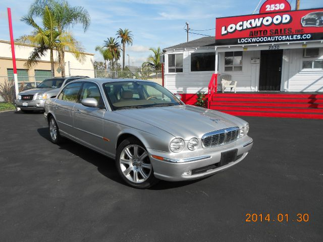 2005 JAGUAR XJ8 XJ8L silver ride in style in this 2005 jaguar xj8l  this magnificent vehicle is on